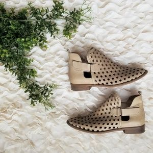 MUSSE & CLOUD Caila Perforated Bootie